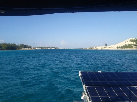 Leaving N Bimini for the anchorage off S .Bimini
